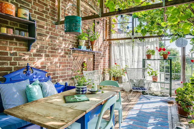 Cozy Up in These 10 Romantic Garden Seating Noo