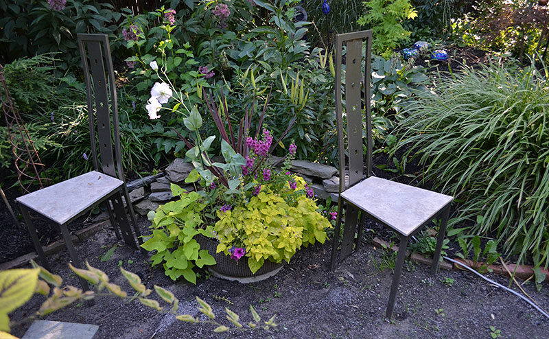 Garden seating: Get inspiration on Open Gardens, garden walks .