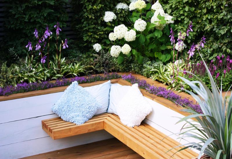 15 Cozy and Comfy Garden Seating Ideas You'll Love - Garden Lovers .