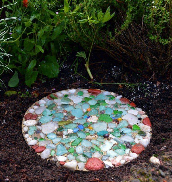How To Make DIY Garden Stepping Stones   The Garden Glo