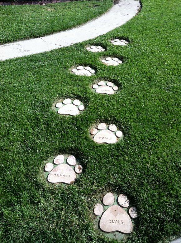 How To Make DIY Garden Stepping Stones   Garden stepping stones .