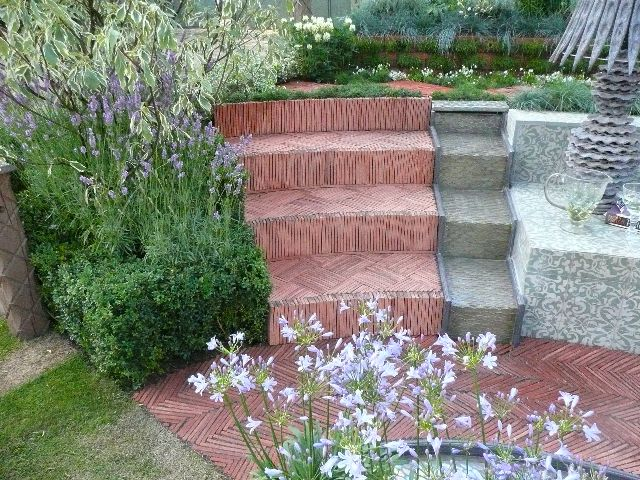 how to use roofing tiles as garden border | Tile Roof | Roof tiles .