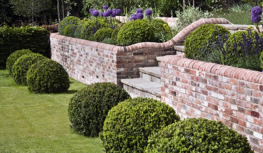 Front Garden Walls Ideas Uk | Garden wall designs, Brick wall .