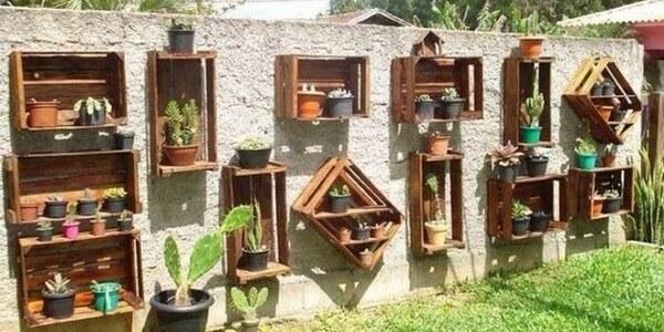 DIY Recycled Pallet Garden Wall Ideas | Pallets Desig