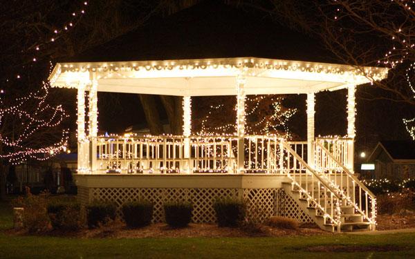 Christmas Lights on a Gazebo - The Lighting Mast