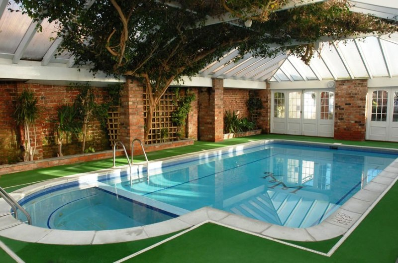 Vastu for Home: Tips for Buying a House with a Swimming Pool .
