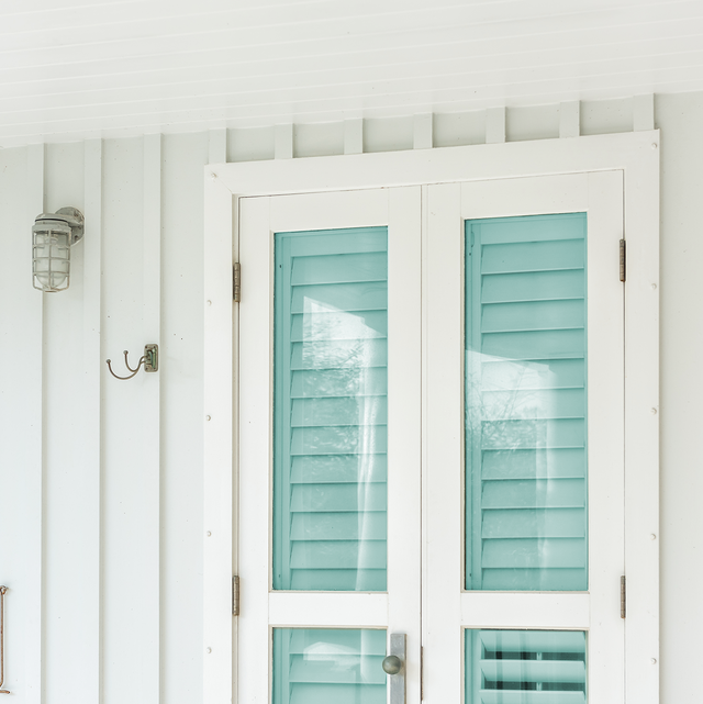 6 Best Hurricane Shutters to Protect Your Home from Storms - Types .