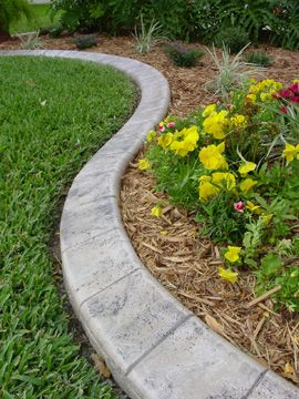 Landscape Edging Ideas | Curved edgings, on the other hand, are .