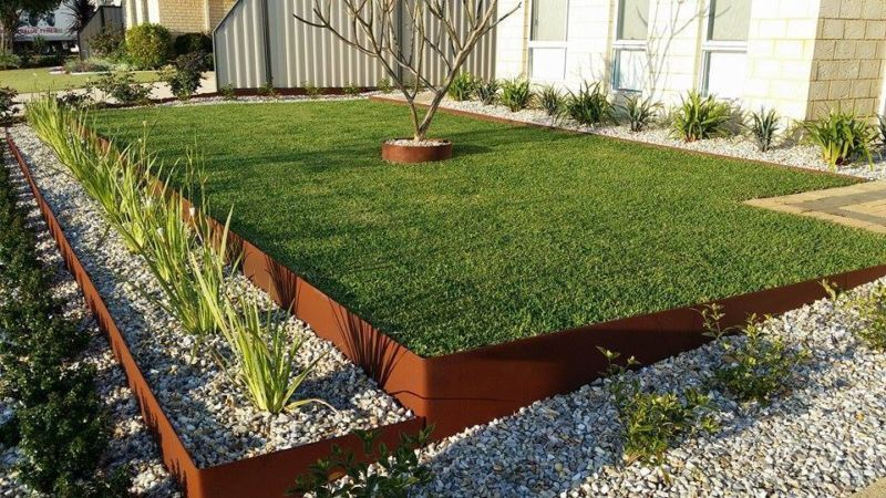 Landscape Edging Ideas That Create Curb Appeal | Metal garden .