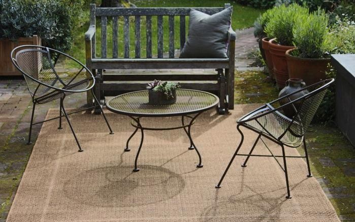 Hardscaping 101: How to Care for Metal Patio Furniture - Gardenis