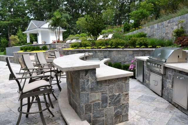 Custom Outdoor Bar Design Ideas and Ti