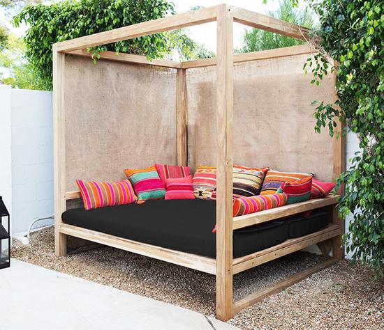 Daydreaming: Outdoor Beds | Outdoor beds, Outdoor daybed, Diy .