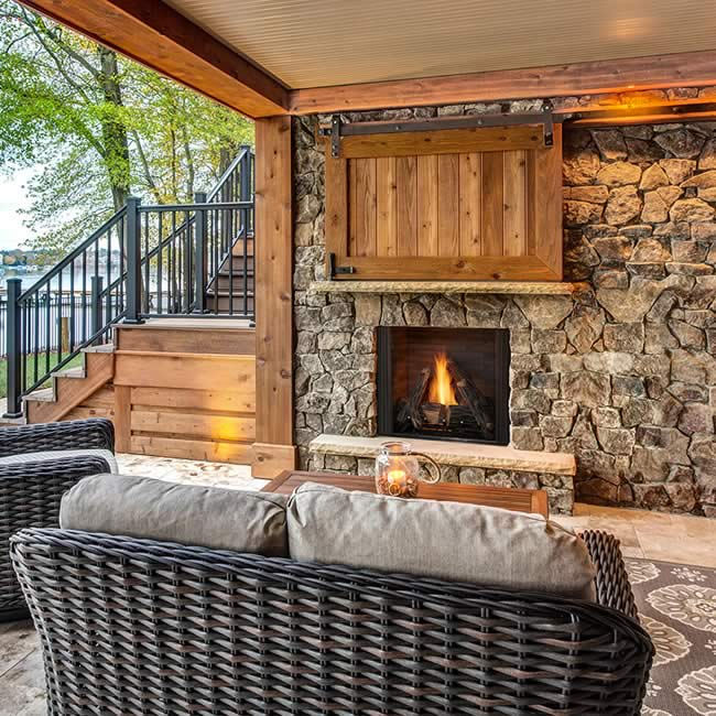 Courtyard Outdoor Fireplace | Fine's G