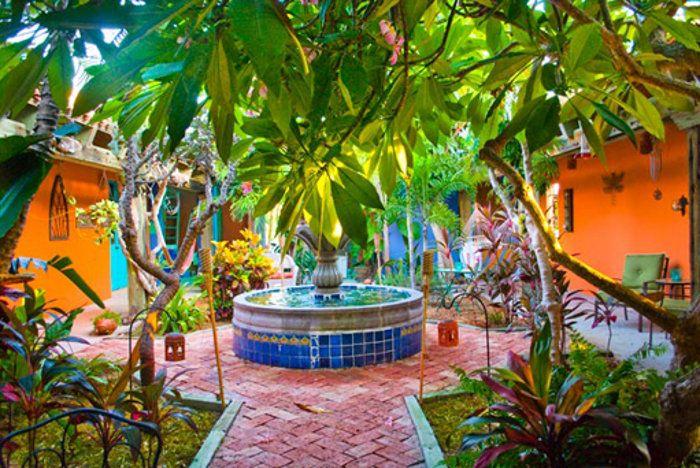 Mexican Outdoor Garden Decor (With images)   Mexican garden .