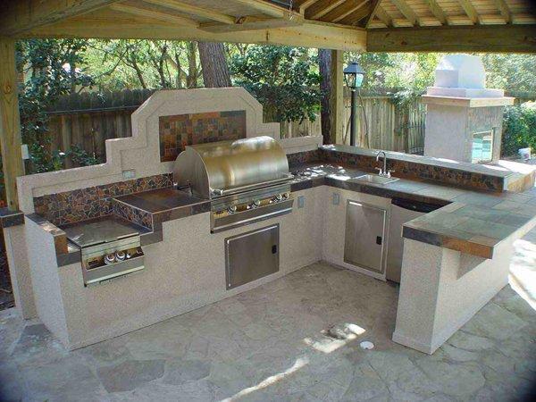 20 Fancy Modular Outdoor Kitchen Designs   Home Design Lov