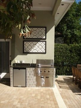 Small outdoor kitchen space - Jacki Mallick Designs, LLC.   Small .