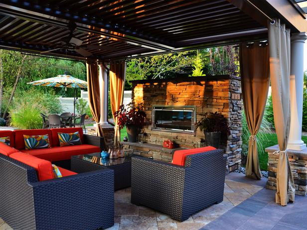 Perfect Outdoor Living Space: Create an Outdoor Ro