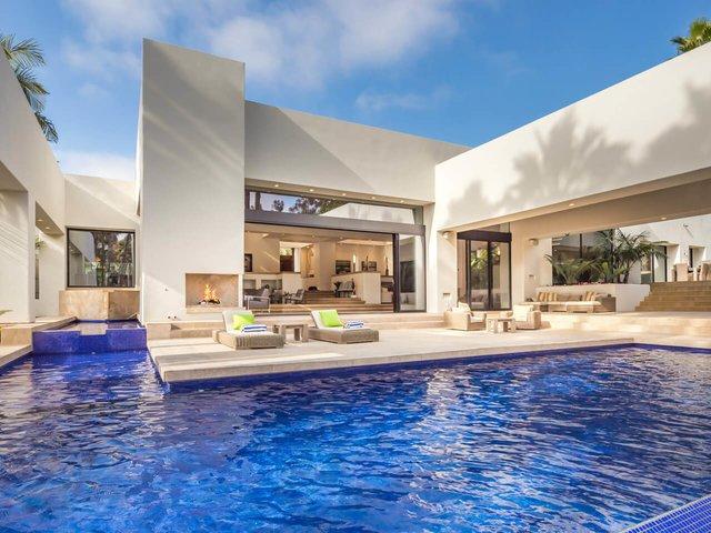 Rancho Santa Fe home has luxurious indoor, outdoor living spa