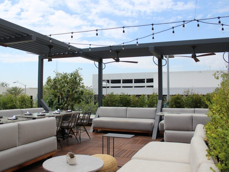 5 Best Outdoor Patio Bars in Pasadena for Summ