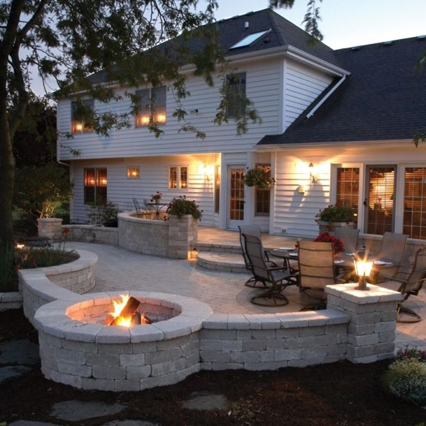 Outdoor Kitchen Deck and Outdoor Patio Designs With Curv