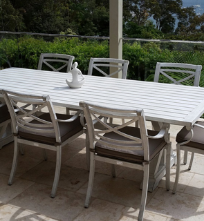 Comfortable and relaxing Outdoor Settings – CareHomeDec