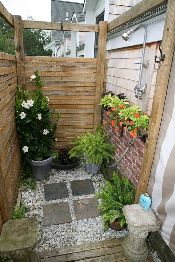 18 Tropical and Natural Outdoor Shower Ideas - Small House Dec