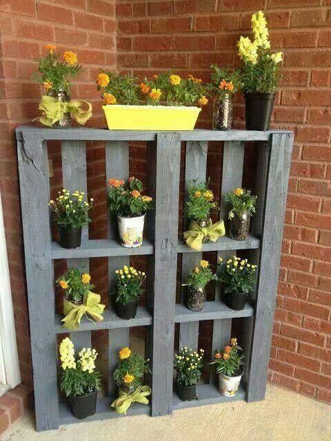 20 Spring Decor Ideas | Pallets garden, Garden projects, Pallet craf