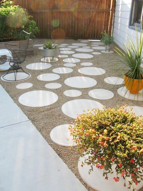9 DIY Cool & Creative Patio Flooring Ideas – Red Carpet .
