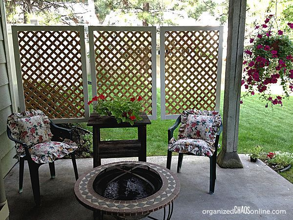 How to Make an Easy Patio Privacy Screen | Diy privacy screen .