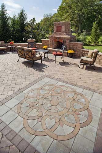 Paver Patio Designs and Ideas in 2020   Backyard patio, Patio .