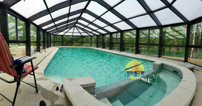 QUEBEC, Canada swimming pool enclosures, conservatories, manufactur