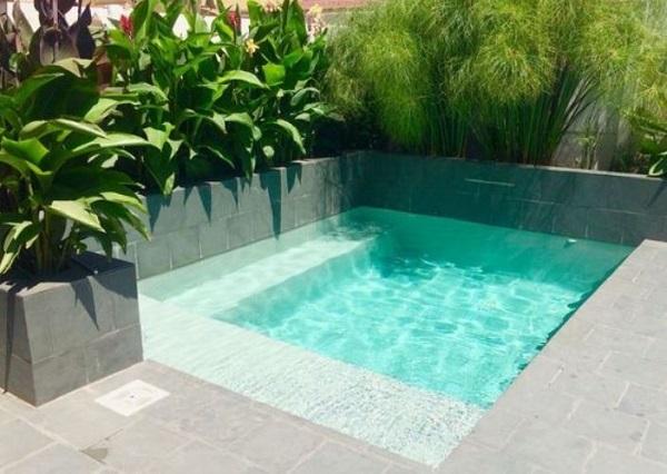 Small Swimming Pool Ideas: 21+ Simple Designs for Minimalist Ho