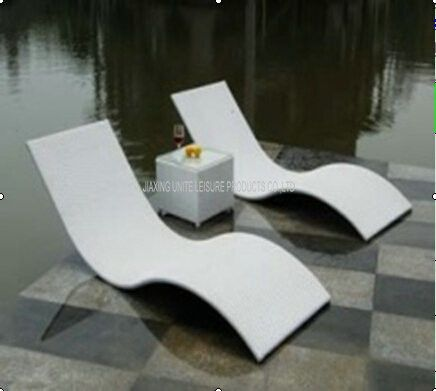 Metal Rattan Wicker Pool Lounge Chairs / Outdoor Sun Lounge Chairs .