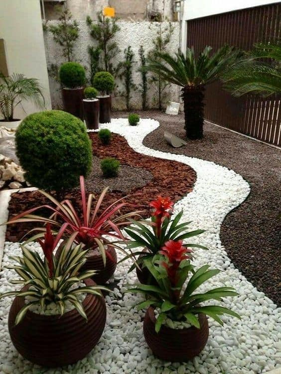 17 Small Front Yard Landscaping Ideas To Define Your Curb Appe