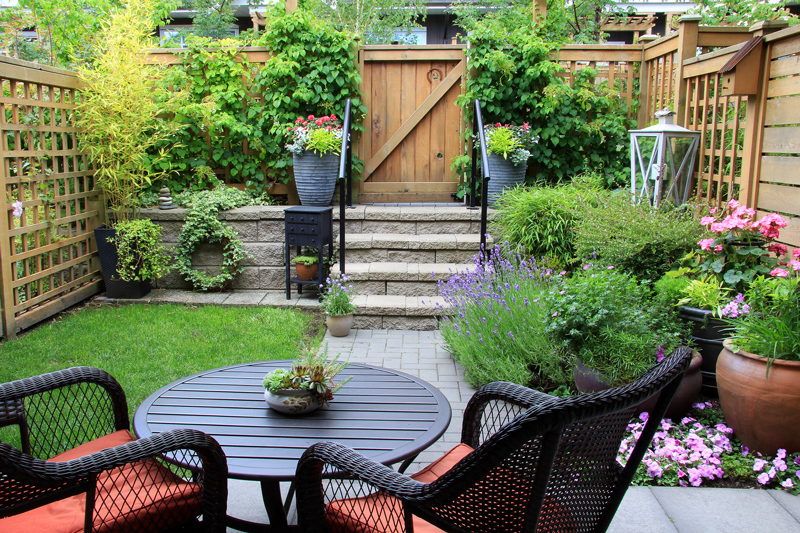 Make your garden seem bigger with 13 genius small garden ide
