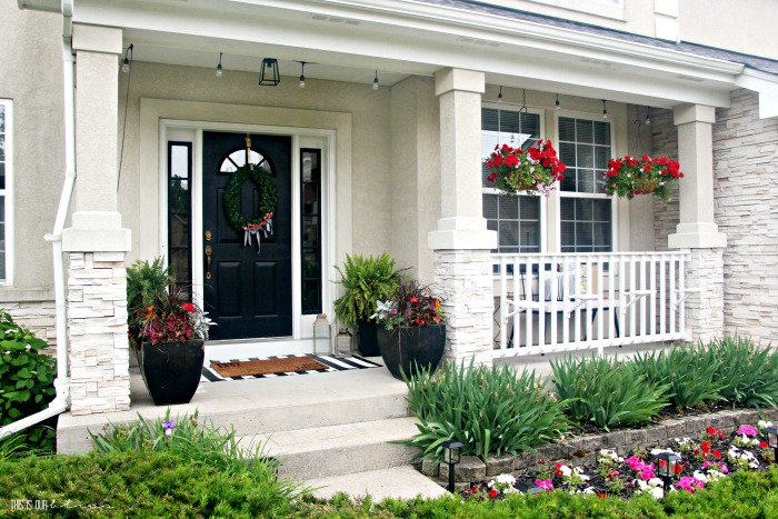 How to Spruce Up Your Front Porch | This is our Bli