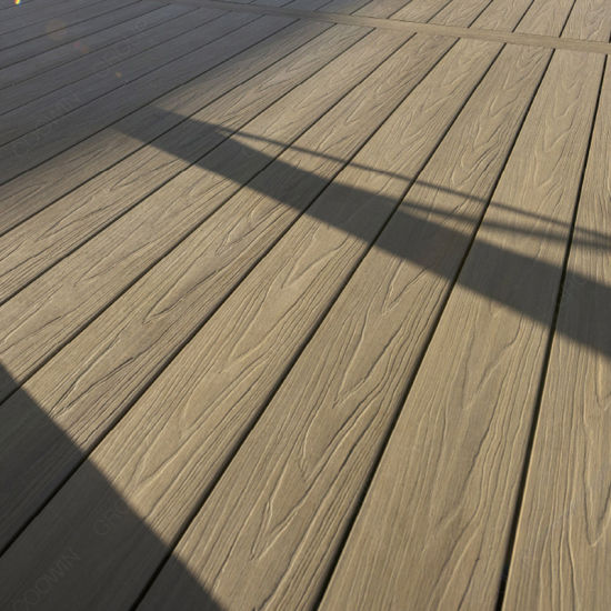 China Overstock Composite Timber Decking Tiles for Clearance Sale .