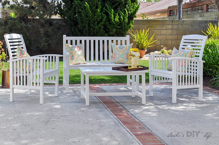 How To Paint Outdoor Wood Furniture - And Make It Last For Year