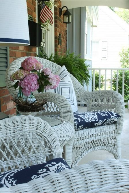 Simple Front Porch Designs: Ideas Anyone Can Do | White wicker .