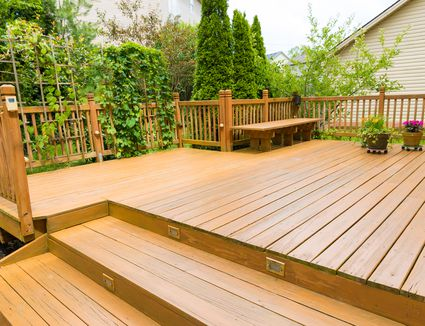 Pros and Cons of Wood and Composite Decki
