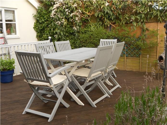 Tired outdoor garden furniture given a new lease of life using F .