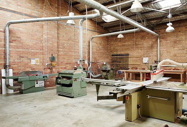 Community workshop space for classes & members | Wooden workshops .