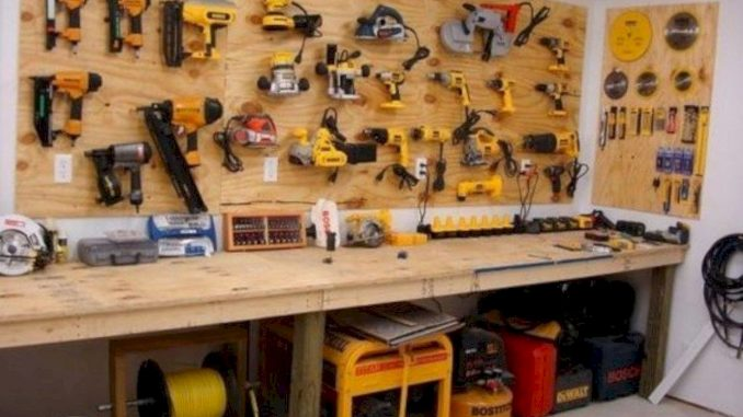 A Working Wooden Workshop in Your House - homeris