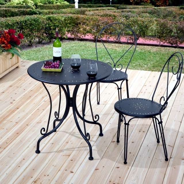 21 wrought iron garden furniture – Highlights the graceful air .