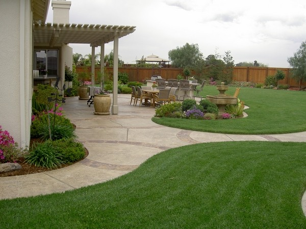 Garden landscaping ideas and creative backyard desig